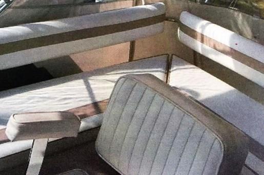 1983 Silverton 34C Sedan Photo 5 of 16