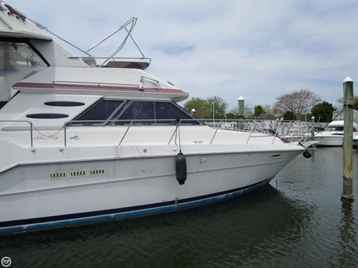 1987 Sea Ray 410 Aft Cabin Photo 3 of 20