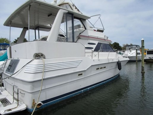 1987 Sea Ray 410 Aft Cabin Photo 4 of 20