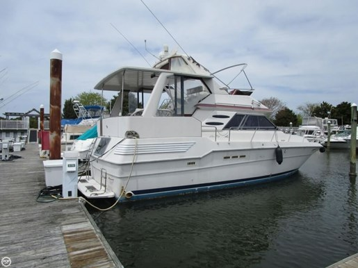 1987 Sea Ray 410 Aft Cabin Photo 5 of 20