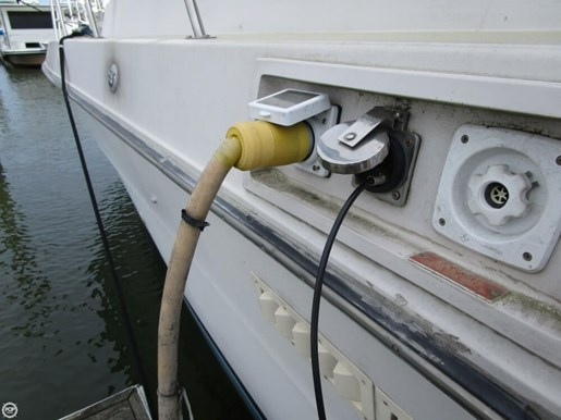 1987 Sea Ray 410 Aft Cabin Photo 12 of 20