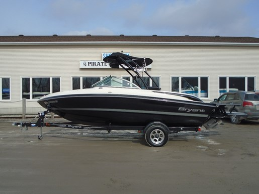 For Sale: 2013 Bryant 198 Walkabout W/wakeboard Tower &amp; Sportporch 23ft<br/>Pirate Cove Marina