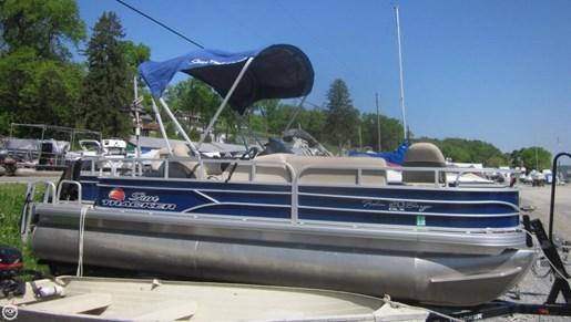 2016 Sun Tracker Fishin Barge - 20 DLX Photo 7 of 20