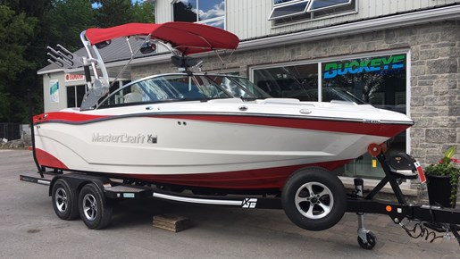 2017 MasterCraft Mastercraft XT21 Photo 1 of 10