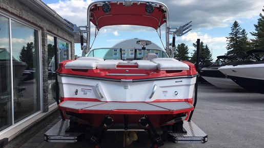 2017 MasterCraft Mastercraft XT21 Photo 2 of 10