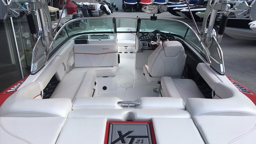 2017 MasterCraft Mastercraft XT21 Photo 3 of 10