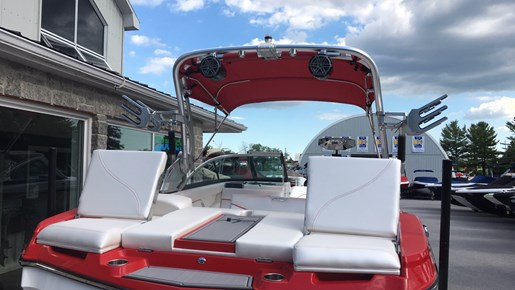 2017 MasterCraft Mastercraft XT21 Photo 8 of 10