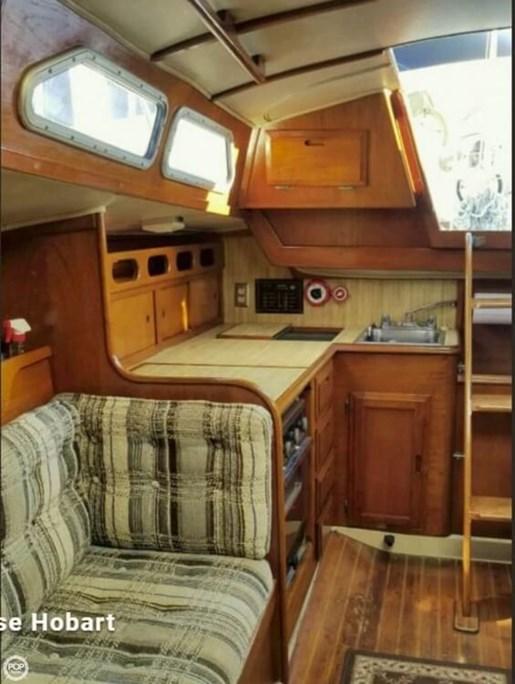 1981 Ericson Yachts 35-2 Photo 7 of 20
