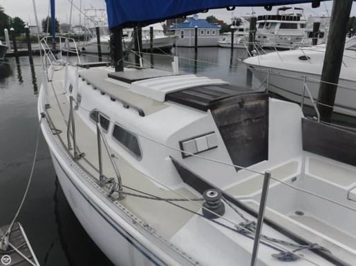 1981 Ericson Yachts 35-2 Photo 11 of 20