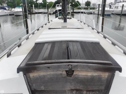 1981 Ericson Yachts 35-2 Photo 16 of 20