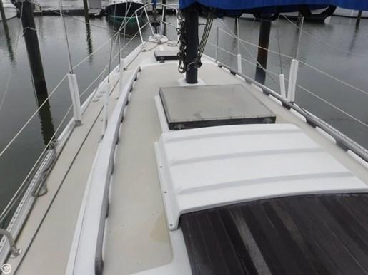 1981 Ericson Yachts 35-2 Photo 18 of 20