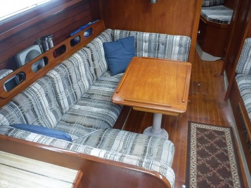 1981 Ericson Yachts Photo 18 of 20