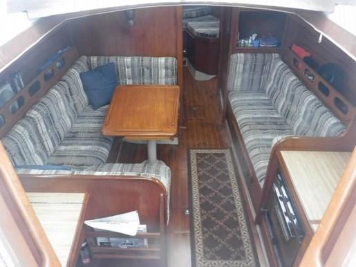 1981 Ericson Yachts 35-2 Photo 4 of 20