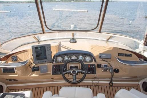 2003 Carver 410 Sport Sedan Photo 17 of 42