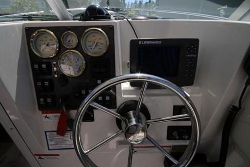 2006 Striper 2601 Walkaround Photo 17 of 24