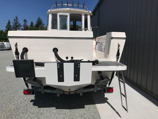2018 Osprey Pilothouse 24 Fisherman Photo 14 of 86