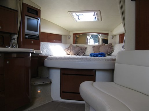 2005 Sea Ray 320 SUNDANCER Photo 17 of 22
