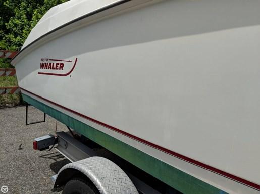 2004 Boston Whaler Photo 15 of 20