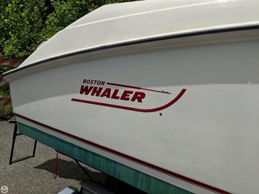 2004 Boston Whaler 240 Outrage Photo 16 of 20