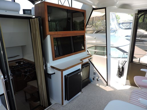 1989 Carver 3807 Aft Cabin Photo 13 of 56