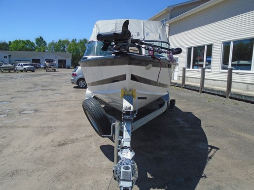 2018 Lund 1875 Crossover XS For Sale - LF726 Photo 10 of 11