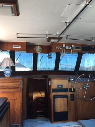 1976 Hatteras 42LRC Photo 4 of 9