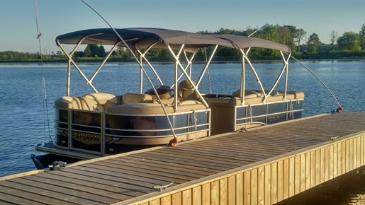 For Sale: 2016 Sylvan 8520 Mirage Crs/le For Sale - Brokerage 20110ft<br/>Pirate Cove Marina