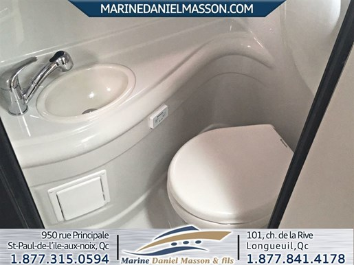 2017 Crownline 264 CR Photo 7 of 16