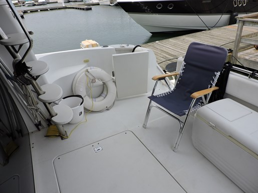 2003 Carver 570 Voyager Photo 18 of 116