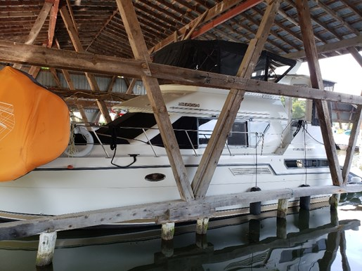 1995 Carver 370 Aft F/B for sale