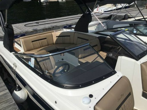 2018 Sea Ray SLX 230 Photo 1 sur 6