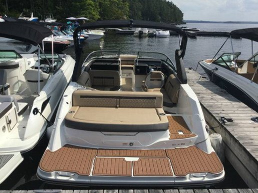 2018 Sea Ray SLX 230 Photo 2 sur 6