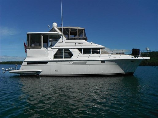 1997 Carver 445 Aft Cabin Motor Yacht Photo 2 of 67