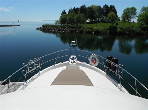1997 Carver 445 Aft Cabin Motor Yacht Photo 4 of 67