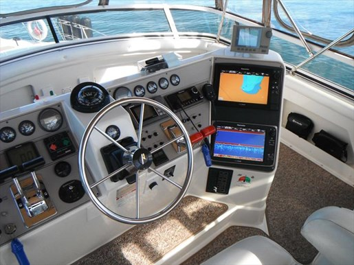 1997 Carver 445 Aft Cabin Motor Yacht Photo 19 of 67