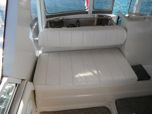 1997 Carver 445 Aft Cabin Motor Yacht Photo 23 of 67