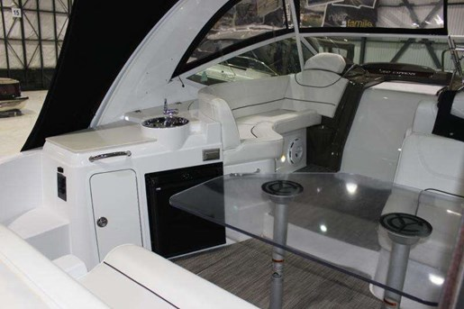 2014 Cruisers-yachts Photo 5 of 18