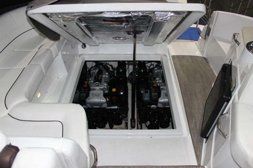 2014 Cruisers-yachts Photo 16 of 18