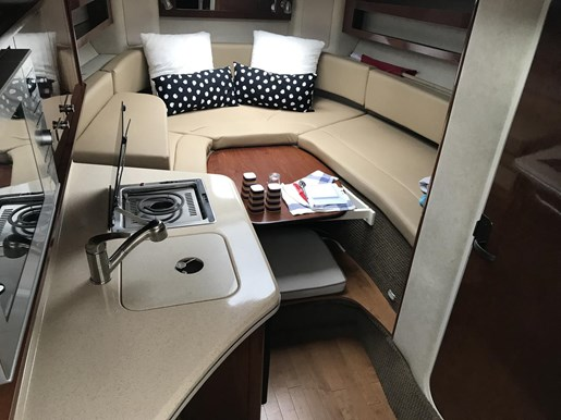 2013 Sea Ray 280 Sundancer Photo 7 of 24