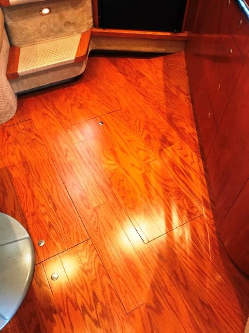 2001 Sea Ray 410 EXPRESS Photo 25 of 30