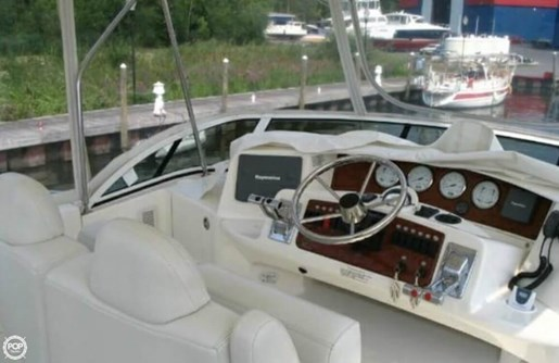 2004 Silverton 35 Motor Yacht Photo 4 of 20