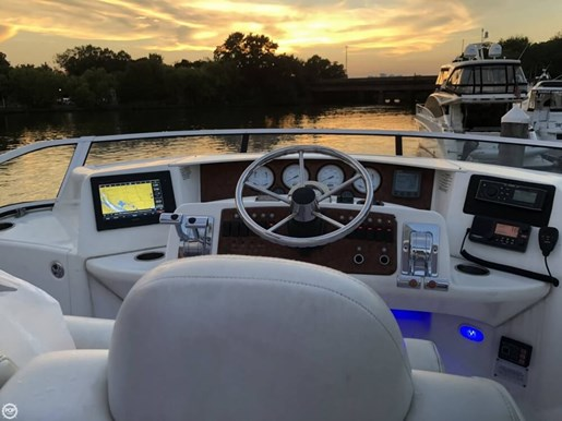 2004 Silverton 35 Motor Yacht Photo 5 of 20