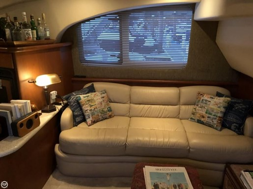 2004 Silverton 35 Motor Yacht Photo 9 of 20