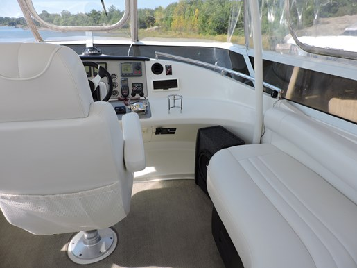 2007 Carver 43 Motor Yacht Photo 28 of 73