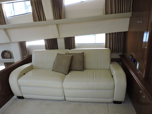 2007 Carver 43 Motor Yacht Photo 38 of 73