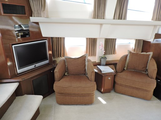 2007 Carver 43 Motor Yacht Photo 39 of 73