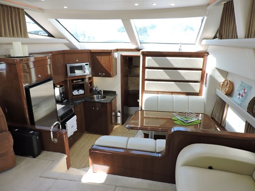 2007 Carver 43 Motor Yacht Photo 41 of 73