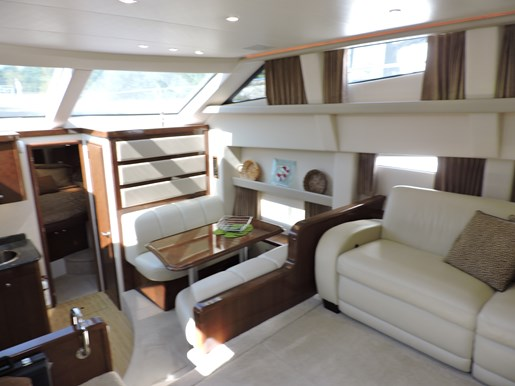 2007 Carver 43 Motor Yacht Photo 42 of 73