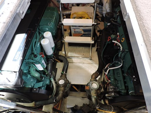 2007 Carver 43 Motor Yacht Photo 71 of 73