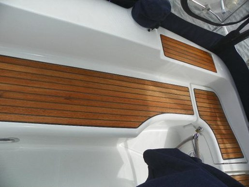 2002 Beneteau 393 Photo 26 of 29